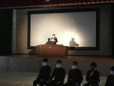 ステージ上でのスピーチ