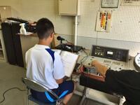 放送室で進行を務める生徒会